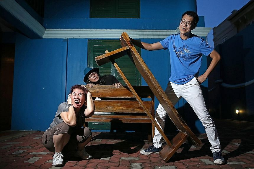 (From left) Theatre practitioner Zelda Tatiana Ng's reinterpretation of the 1998 Chinese pugilistic comedy Leng-Geh-Mng stars Ric Liu and Ray Lee.