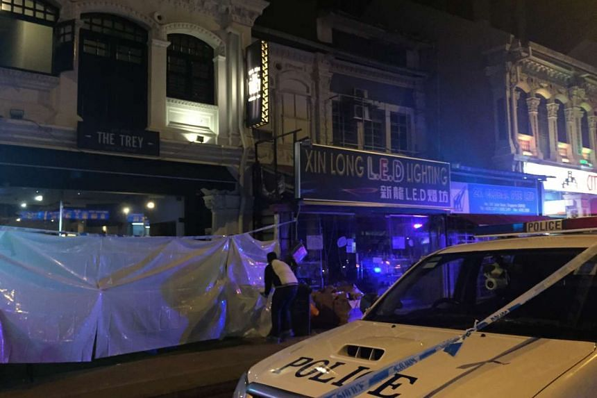 A man was found dead in Jalan Besar after witnesses saw him get stabbed. Police have classified the case as murder and investigations are going on.