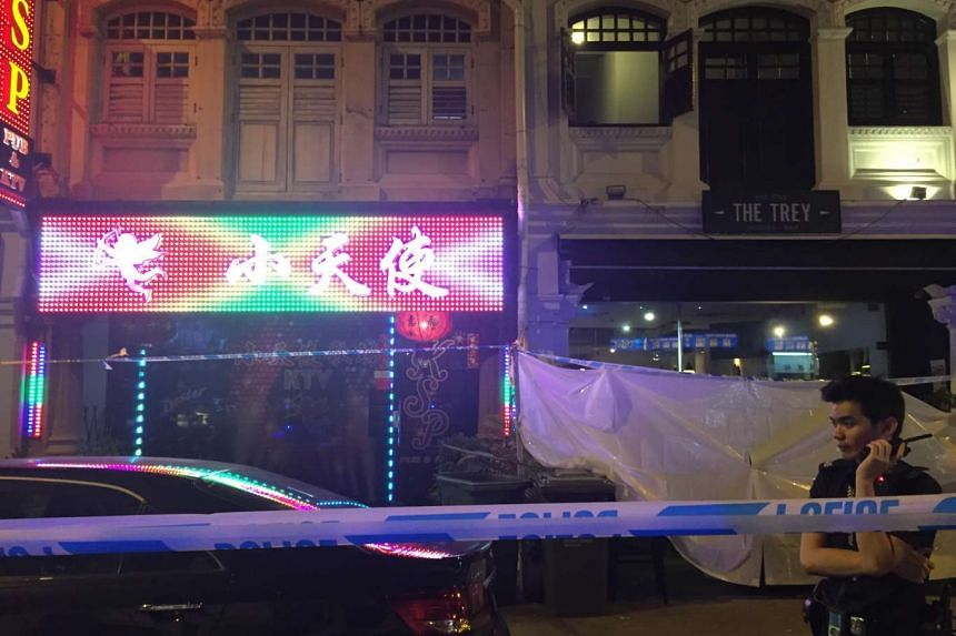 Police have cordoned off a pub in Jalan Besar where a man was allegedly stabbed after an argument. The case has been classified as murder and investigations are going on.