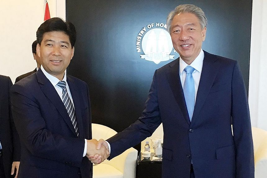 Suzhou Mayor Qu Futian (extreme left) called on Deputy Prime Minister Teo Chee Hean yesterday to reaffirm the close cooperation between Suzhou and Singapore. This collaboration, which under- scores the longstanding bilateral ties between Singapore an