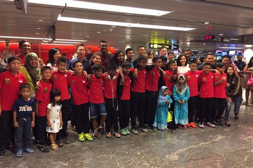 The F-17 Academy team at Changi Airport before flying off to Turkey.