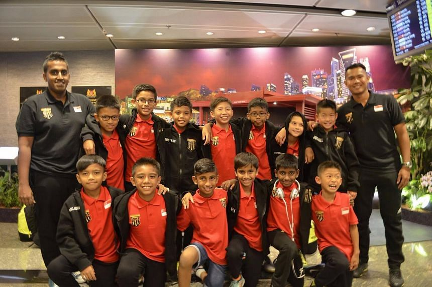 The F-17 Academy team at Changi Airport before flying off to Turkey for their transit flight.