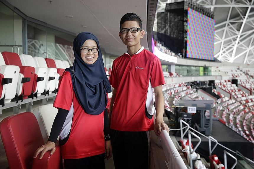 As parade commander, LTC Poon will be in charge of more than 1,400 people from 31 military and civilian contingents. Ms Maslinda and her son Mohamad will be marching as part of the Swiber contingent at this year's NDP.