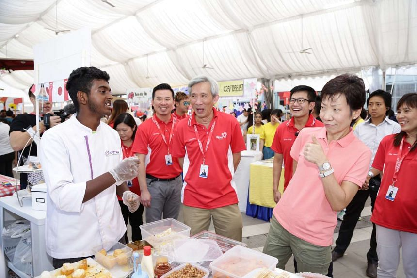 Minister Grace Fu visited the Youth Entrepreneurs Competition booths at the Singapore Discovery Centre on July 16, 2016.