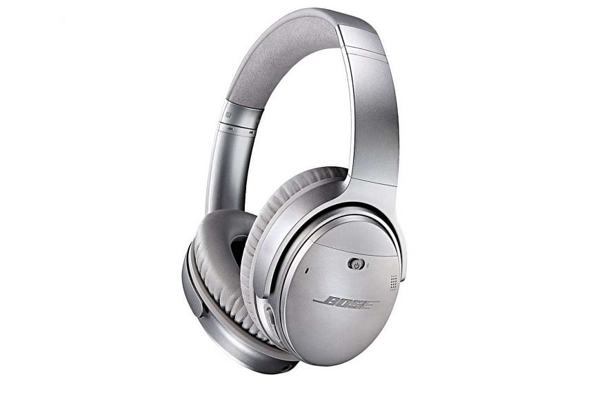 The Bose QuietComfort35 boasts a sturdy construction and premium finish that are easily identifiable by audiophiles in the know.