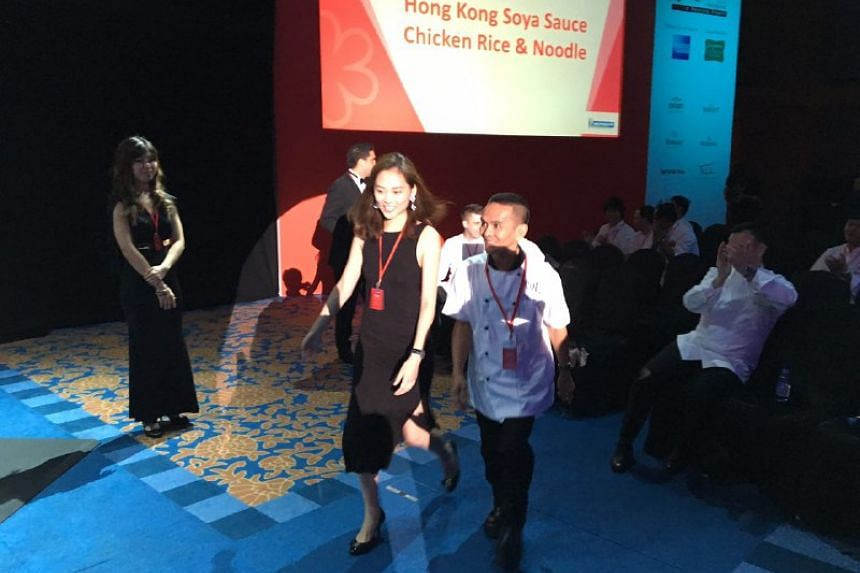 Hong Kong Soya Sauce Chicken Rice and Noodle in Chinatown Food Complex has been awarded the one-star rating by Michelin.