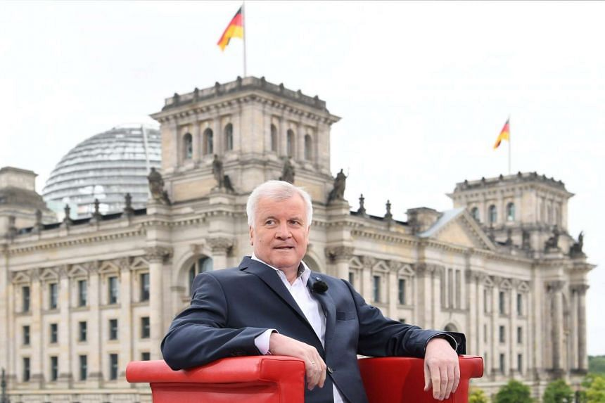 Horst Seehofer has urged the EU to suspend accession talks with Turkey over a purge launched by the government against suspected plotters of last week's failed coup.