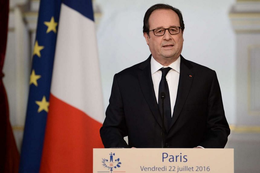 French President Francois Hollande makes a statement at the Elysee Presidential Palace in Paris on July 22, 2016.