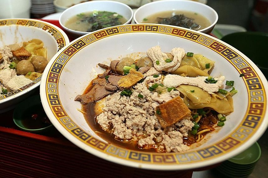 WHAT Hong Kong Soya Sauce Chicken Rice & Noodle WHERE Chinatown Food Complex PRICE Soya sauce chicken noodles: From $2.50 a plate Soya sauce chicken rice: From $2 a plate WHAT Hill Street Tai Hwa Pork Noodle WHERE Crawford Lane PRICE From $5 a bowl H