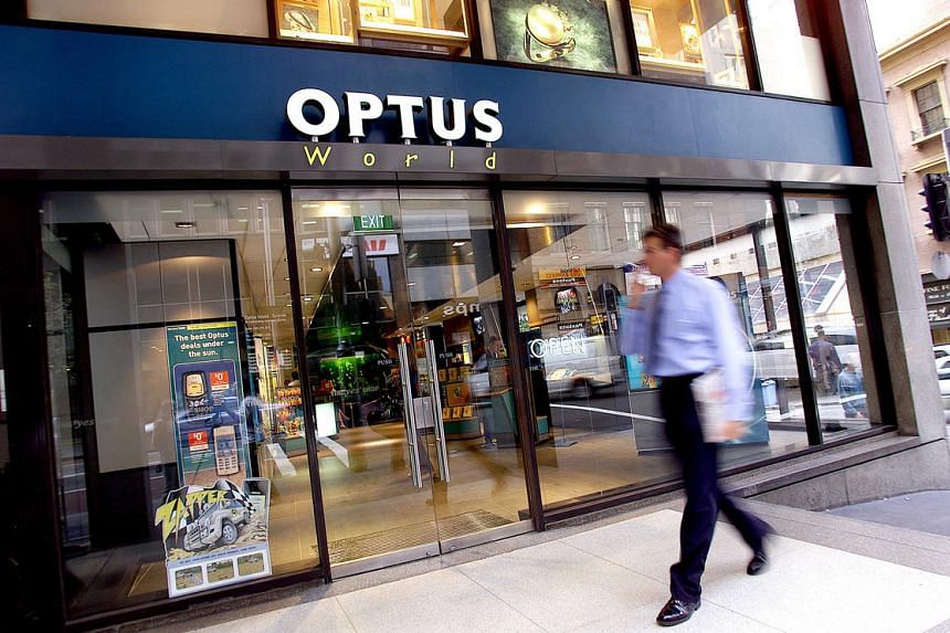 SingTel's Australian unit, Optus Business, has signed a new three-year, multi-million deal with Australia's largest insurer.