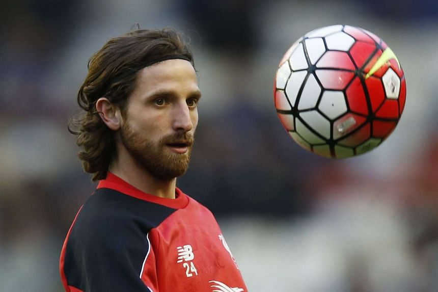 Liverpool's Joe Allen is joining Stoke City on a five-year deal.