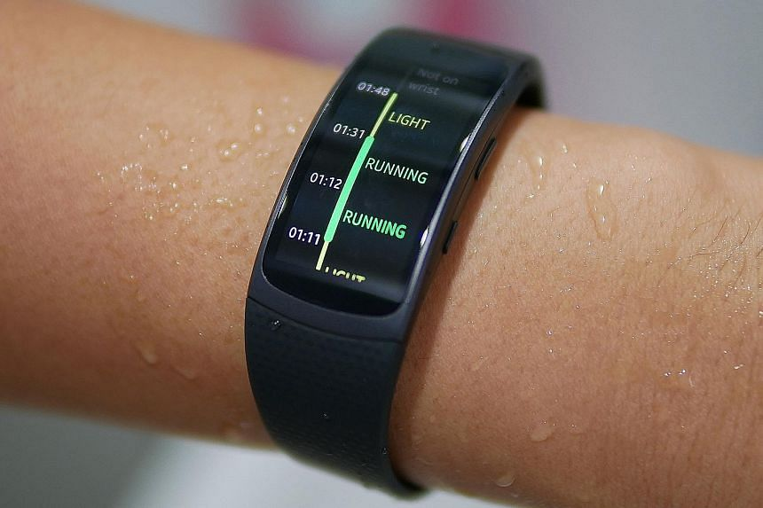 The Samsung Gear Fit2, which works only with Android devices and not iOS ones, has a 24hr log function that shows your day's activities clearly in a timeline. The fitness tracker looks similar to its 2014 predecessor, though it is sleeker