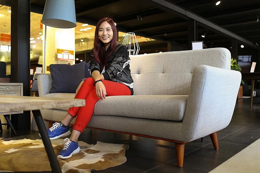 Singer- songwriter Lin Si Tong wins a Hanford sofa from home-grown furniture company Castlery.