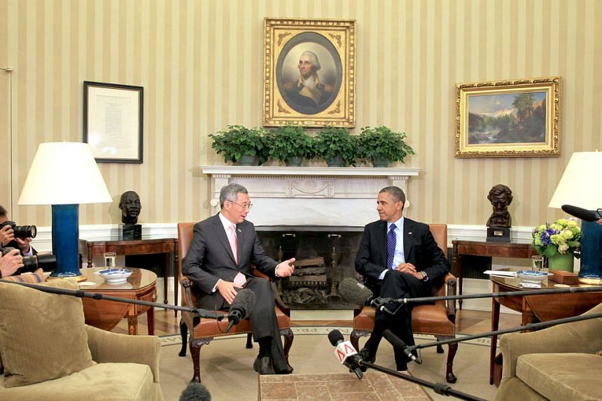 Prime Minister Lee Hsien Loong (left) meeting US President Barack Obama in the Oval Office in Washington DC on April 2, 2013.
