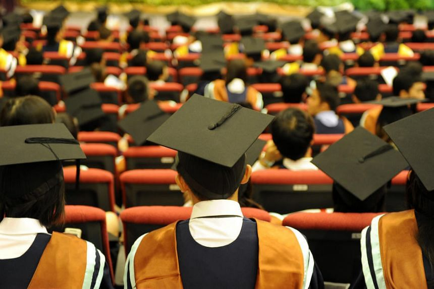Graduating students at the Nanyang Technological University convocation ceremony in 2009.