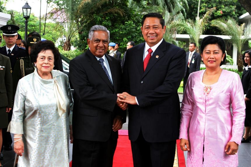 President S R Nathan and Mrs Nathan with Indonesian President Susilo Bambang Yudhoyono and his wife Kristiani Herawati, during a state visit by the Singapore leader to Indonesia in 2006.