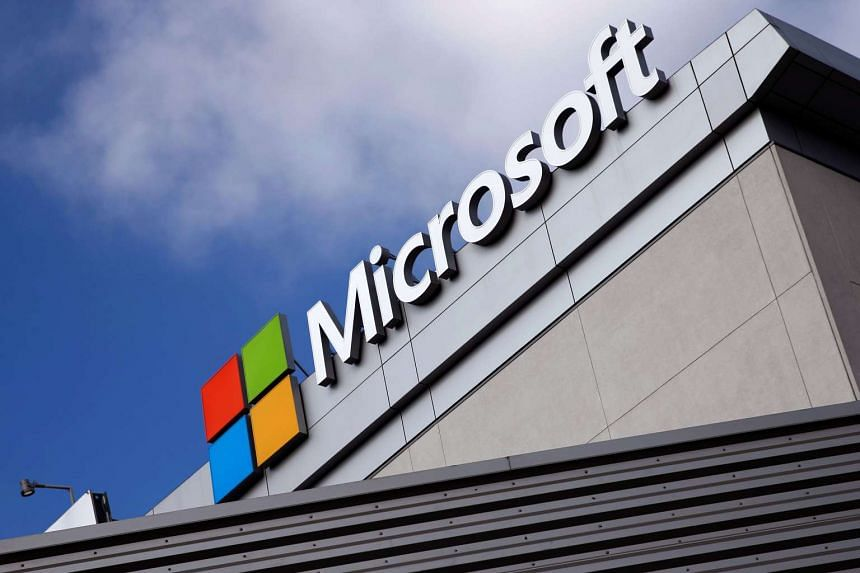 Microsoft is selling a seven-tranche US dollar benchmark bond to finance its acquisition of LinkedIn.