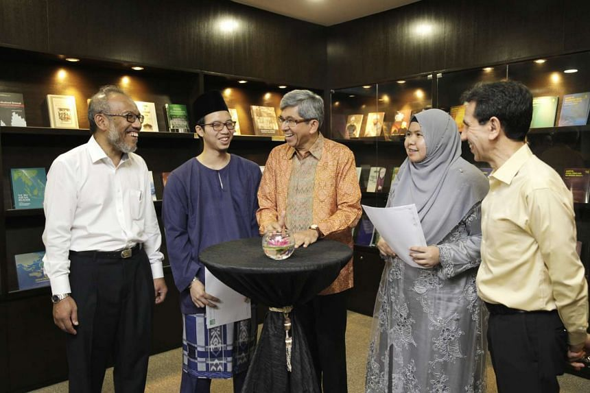 Dr Yaacob Ibrahim, Minister Affairs will be present to hand out certificates to participant of the latest MA-SRP programme.