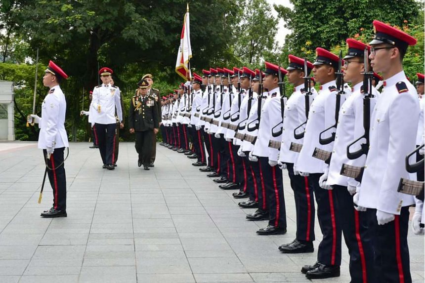 General Sommai inspecting the Guard of Honour contingent at the Istana.