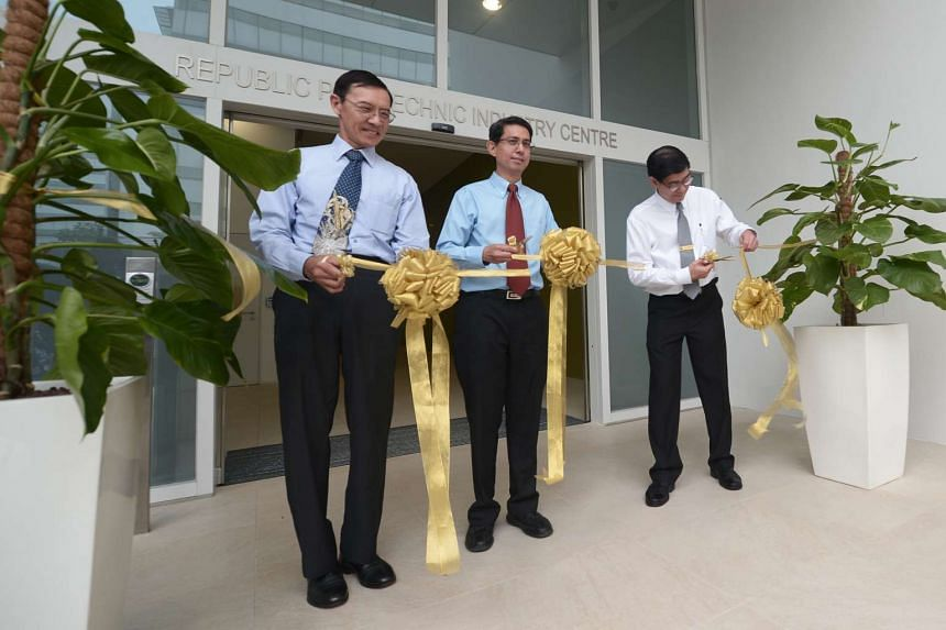 (From left) Mr David Wong, Chairman of Republic Polytechnic, Associate Professor Muhammad Faishal Ibrahim, Parliamentary Secretary, Ministry of Education & Ministry of Social and Family Development, and Mr Yeo Li Pheow, Principal and CEO of Republic