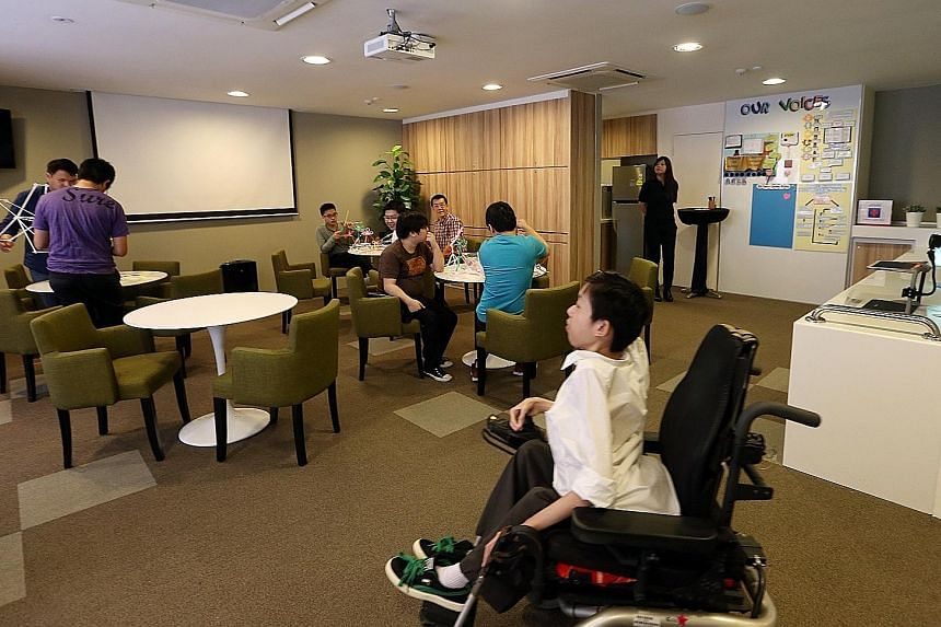 The Special Education Needs Centre at Singapore Polytechnic has a lounge area for special needs students to work on projects and socialise with one another. The centre also has a soundproof room with an expandable sofa bed where students with autism