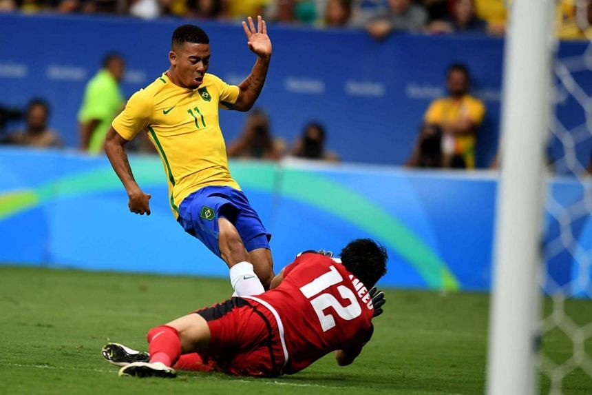 Brazil's football team were held to a draw by Iraq to the disappointment of the home crowd.