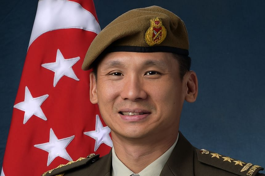 Lieutenant-General Perry Lim Cheng Yeow Chief of Defence Force Singapore Armed Forces Public Administration Medal (Gold) (Military)