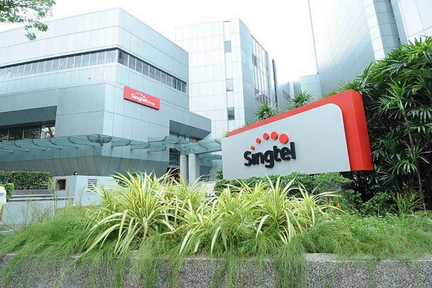 Singtel's first quarter net profit of S$944.3 million was largely unchanged from a year ago.
