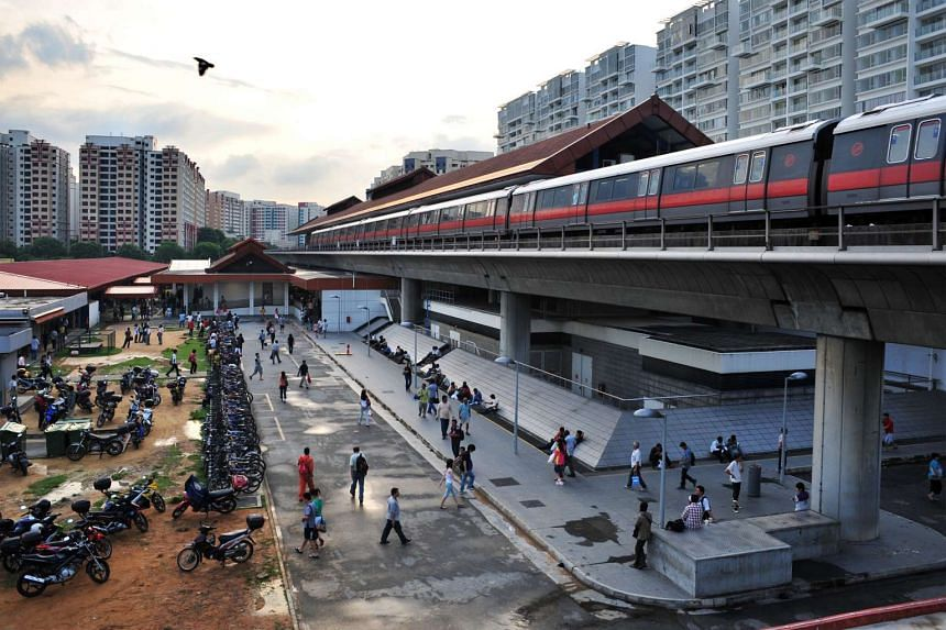A track fault halted train service between Boon Lay and Joo Koon stations for about 20 minutes on Thursday (Aug 11) night.