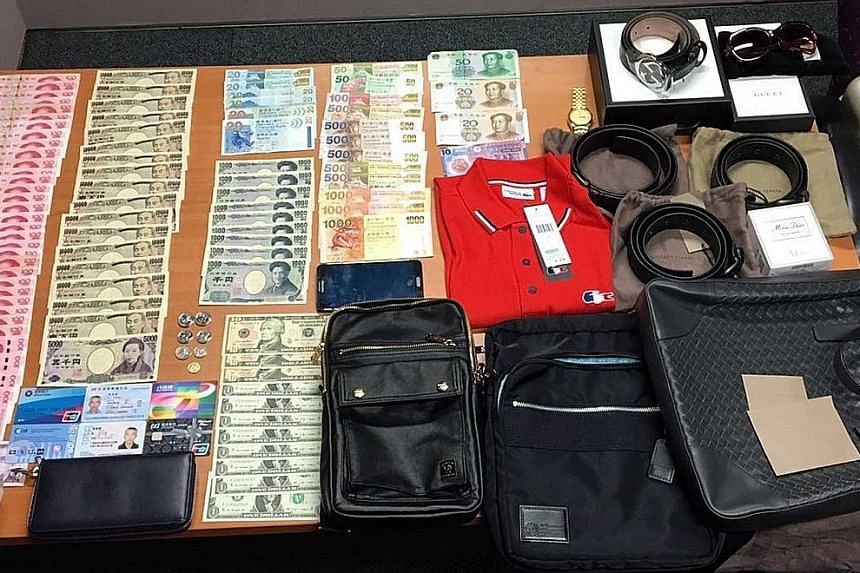 Foreign currencies, wallets, belts, bags, watches and perfumes were seized from the three accused from China. They are believed to be part of a pickpocketing syndicate.