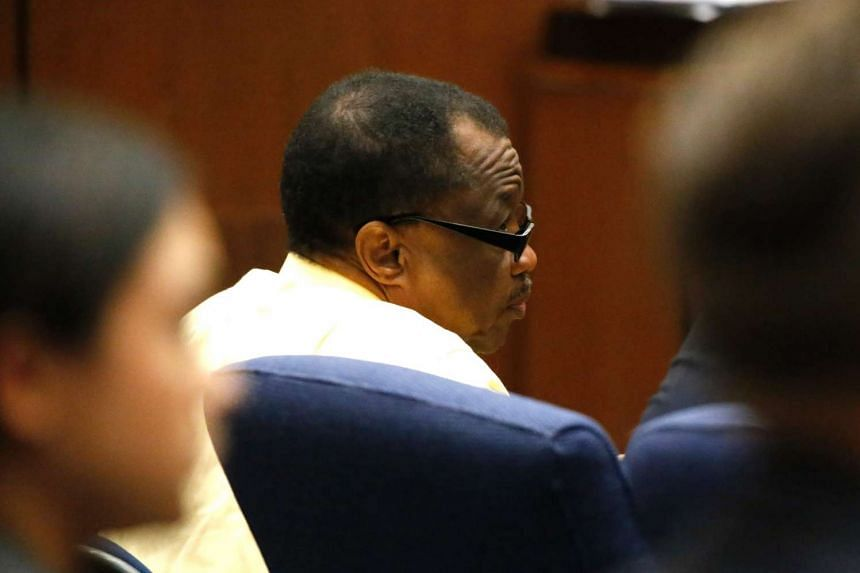 Serial killer Lonnie Franklin looks at the jury as they enter the downtown Los Angeles courtroom on June 6, 2016.