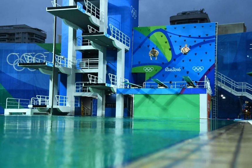 A chemical imbalance has been blamed for the Olympics diving pool turning green overnight.