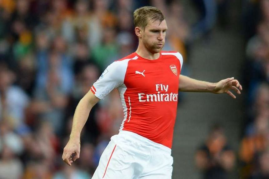 Arsenal defender Per Mertesacker has been named as the English Premier League club's new captain.