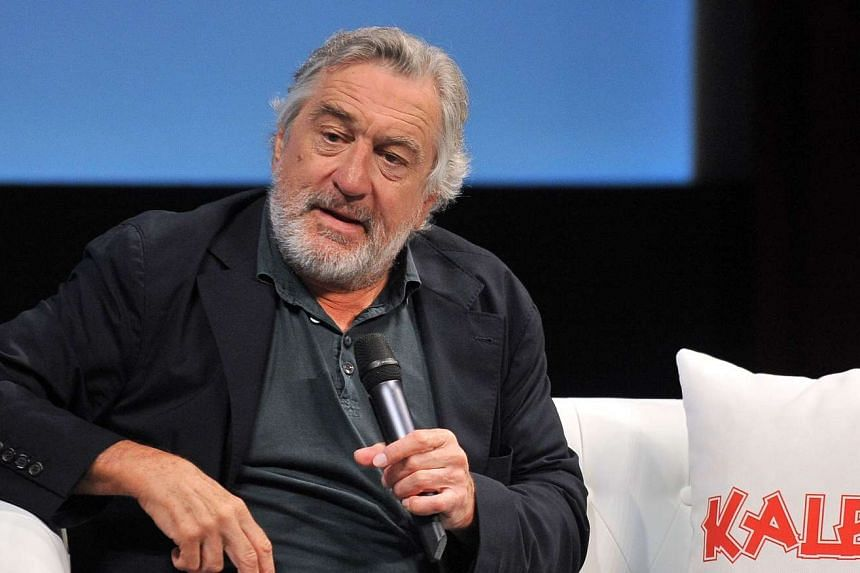 Actor Robert de Niro was honoured with a lifetime achievement award in Sarajevo for his contribution to film.