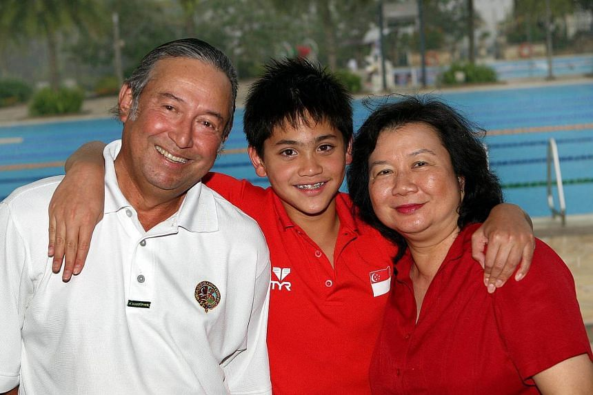 A younger Joseph Schooling in 2009 with his parents.