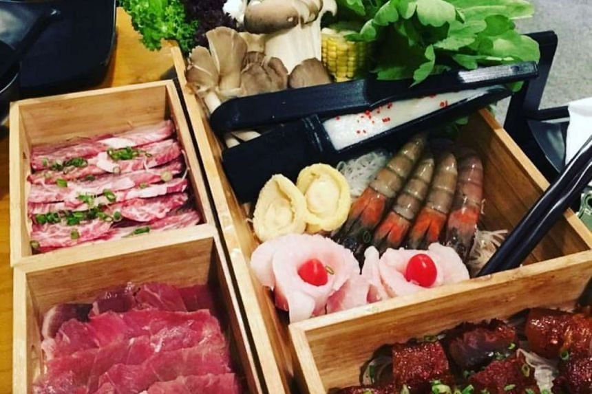 The a la cartemenufeatures a wide variety of ingredients from meats to seafood.
