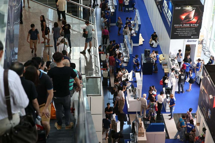 Consumer confidence in Singapore has hit a new low.