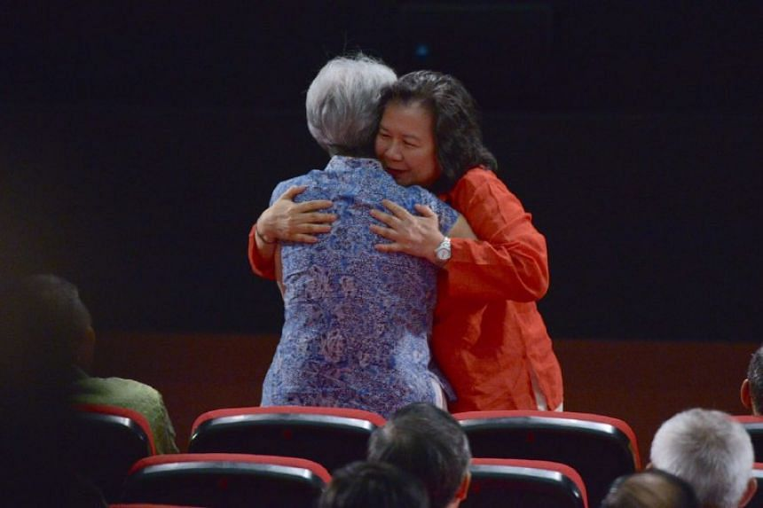 May Schooling, Joseph Schooling's mother, hugging Mdm Ho Ching before the National Day Rally on Aug 21, 2016.