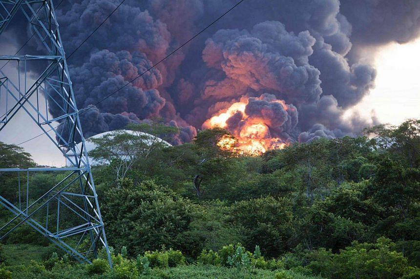 View of the explosion of a second fuel storage tank at the Puma Energy plant in Puerto Sandino on August 18.
