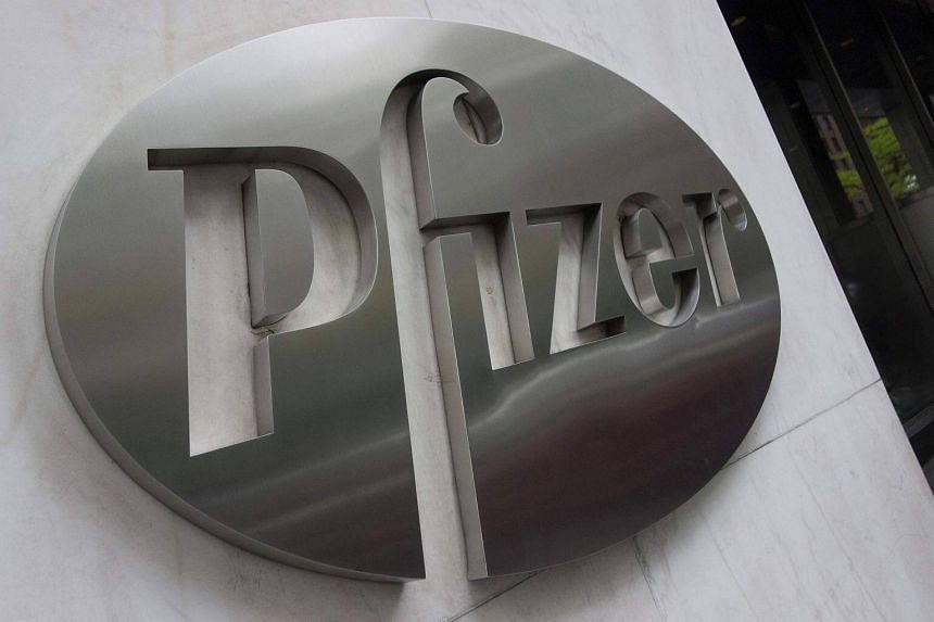 Pfizer Inc is in advanced talks to acquire US cancer drug company Medivation Inc for close to S$18.86 billion.