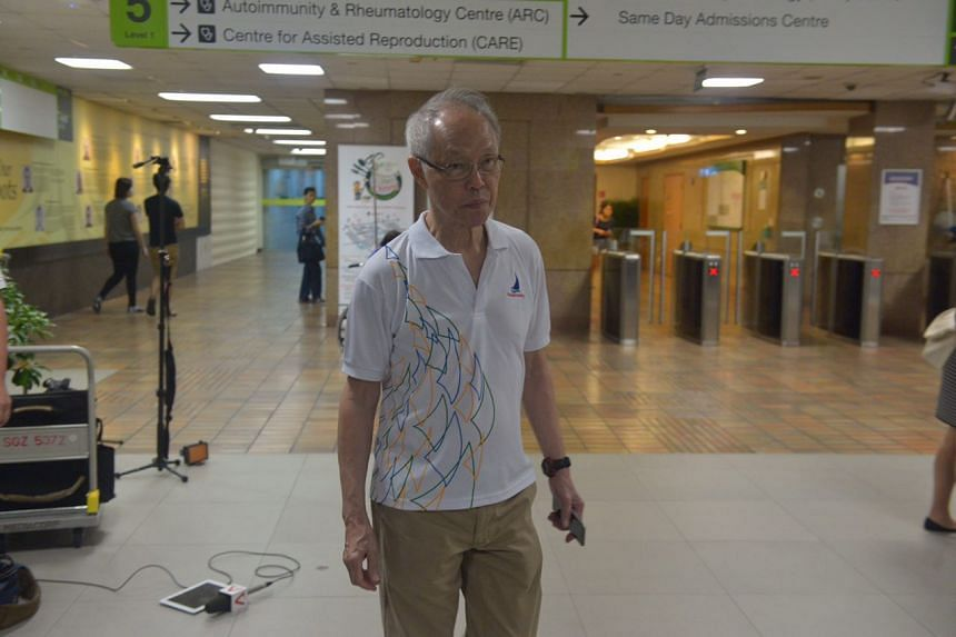 Former Straits Times editor-in-chief Peter Lim at SGH after hearing news of the death of former president S R Nathan, on Aug 22, 2016.