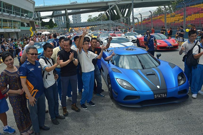 Ten students from the Metta School got the ride of their lives on Saturday in Ferrari supercars as they were whisked from Changi Airport to the F1 Pit Building. They were treated to the ride by Singapore Airlines and car enthusiast group Scuderia FSG
