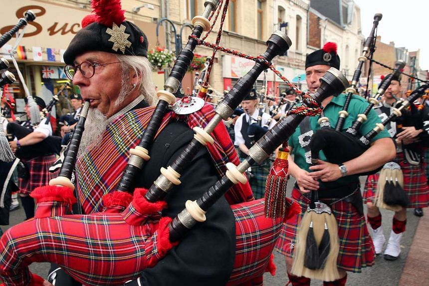 Doctors are warning musicians to clean their wind instruments regularly, after a man died from inhaling fungi that was growing inside his bagpipes.