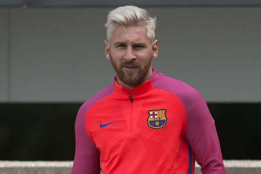Barcelona's Argentinian forward Lionel Messi taking part in a team training session on July 26, 2016.