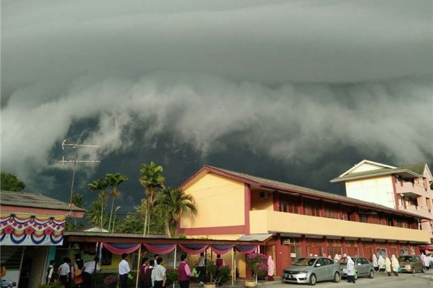 A resident said that he had never seen such beautiful cloud formations there before.
