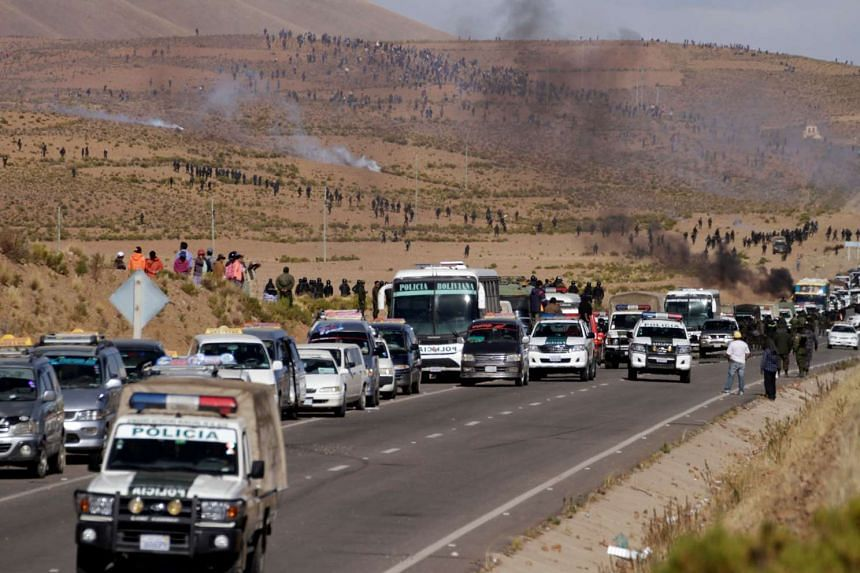 A view of blocked main highway by independent miners protesting against Bolivia's President Evo Morales' government policies, in Panduro south of La Paz, Bolivia, Aug 25, 2016.