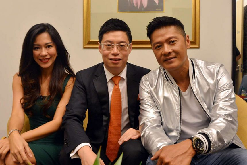 Actor Li Nanxing (right) is a guest on the first episode of BrainStorm Singapore Edition, hosted by Michelle Chia and Chinese financial guru Ma Hong Man.