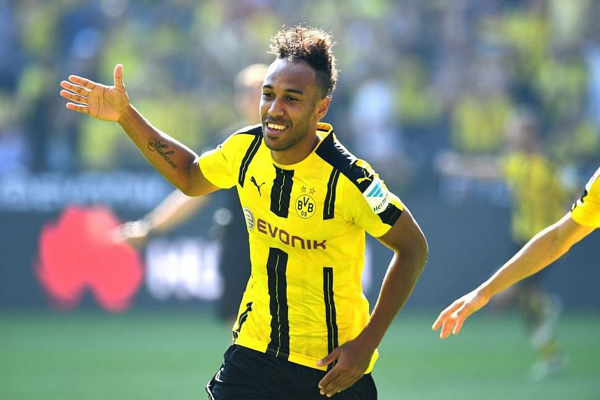 Dortmund's Pierre-Emerick Aubameyang celebrates after scoring the 1-0 during their German first division Bundesliga football match against FSV Mainz 05 on Aug 27, 2016.