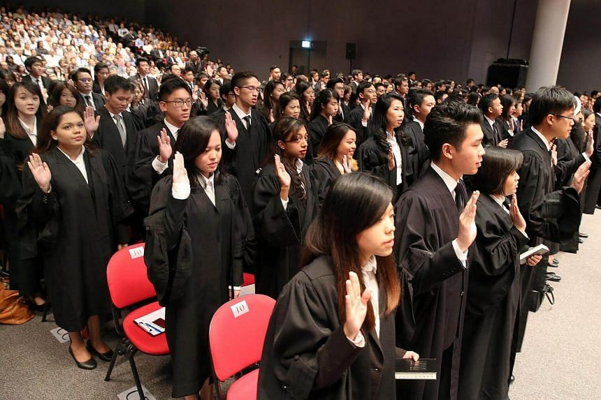 The new batch of freshly-minted lawyers taking their oath on August 27. Over three sessions at the Supreme Court auditorium, a total of 509 lawyers were called to the Bar.