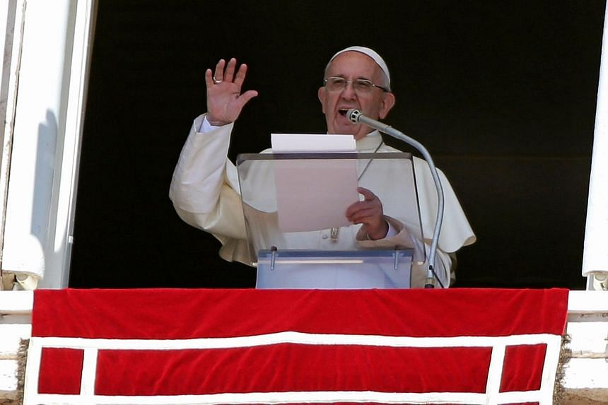 Pope Francis has announced his intention to visit the villages in central Italy devastated by this week's earthquake.